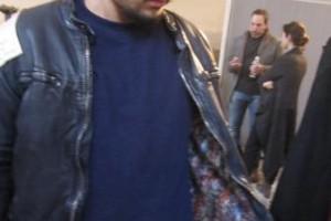 ジョジオブラートのレザージャケットをワイルドに着こなす人