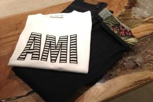 AMIのTシャツ