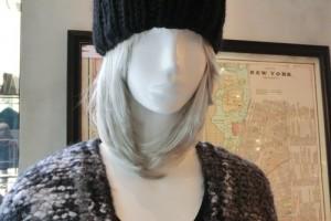耳のついたニット帽